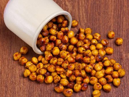 Печен нахут с ароматни подправки – лют червен пипер и къри - снимка на рецептата